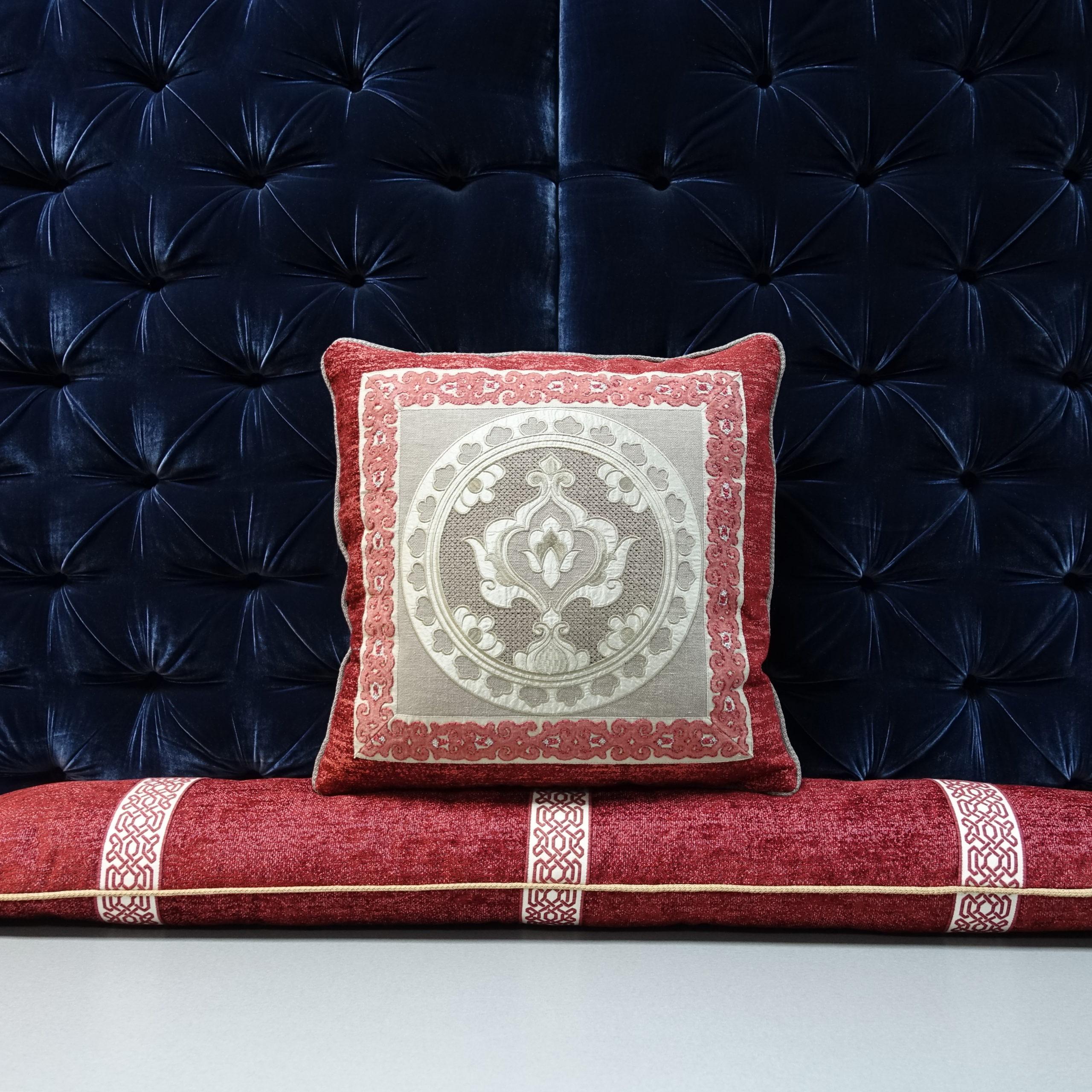 Пошив подушек для дивана