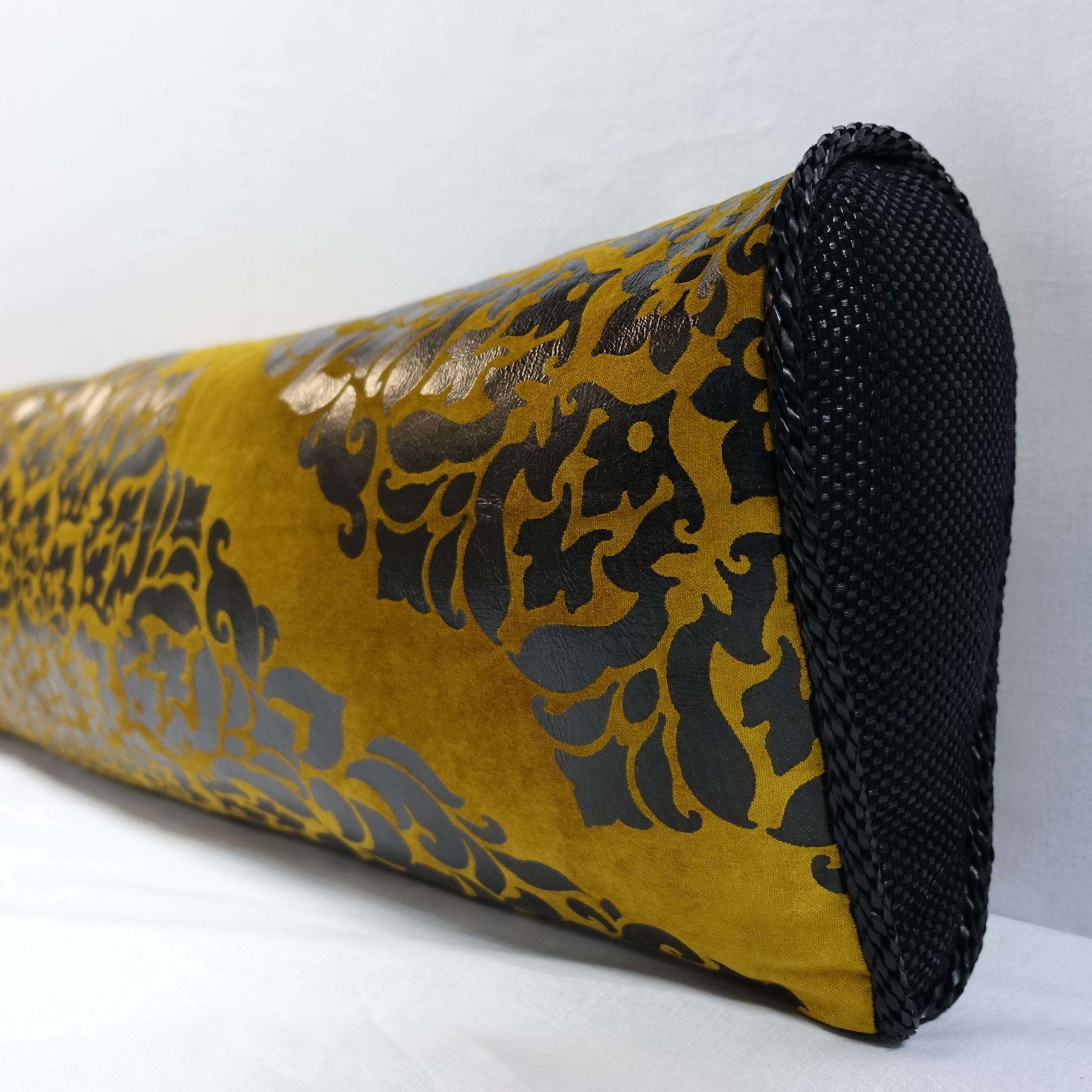 Ткань для пошива подушек для дивана